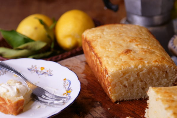 Italian lemon and ricotta cake